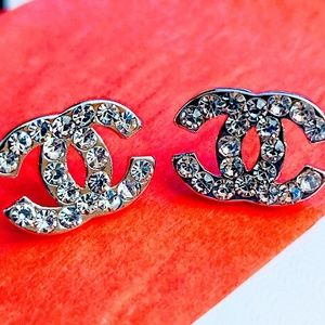 New Classic design fashion stud earrings